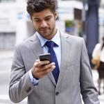 جریمه کار با گوشی موبایل هنگام راه رفتن در آمریکا!